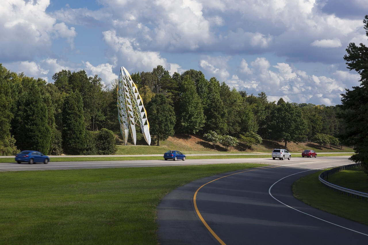 Ed Carpenter's exterior airport entrance sculpture, Ascendus, is a prominent icon at the turnoff to Charlotte/Douglas International Airport and visible from several adjacent roadways. / image 3