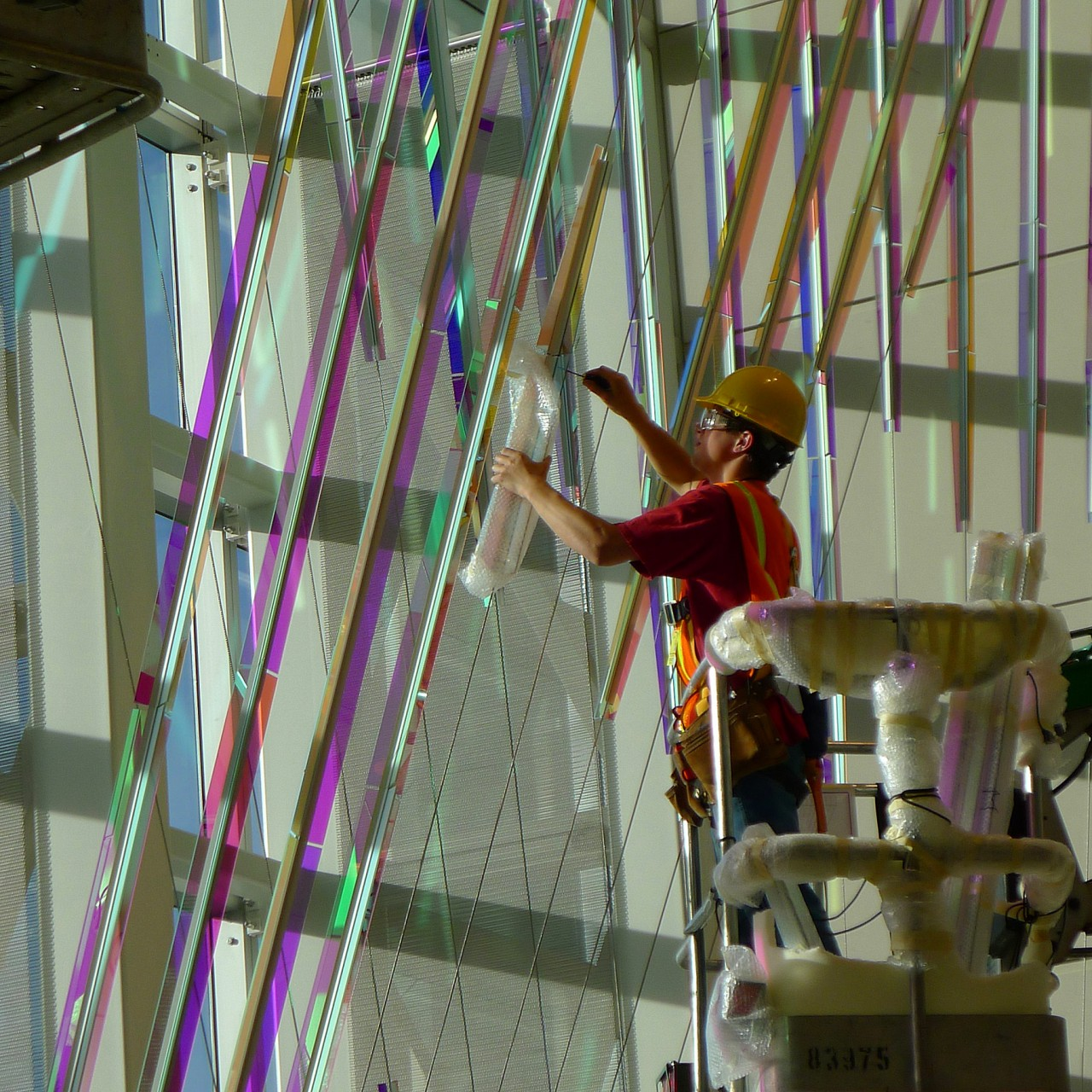 Ed Carpenter's McCarran airport suspended art installation of dichroic glass panels. / image 5
