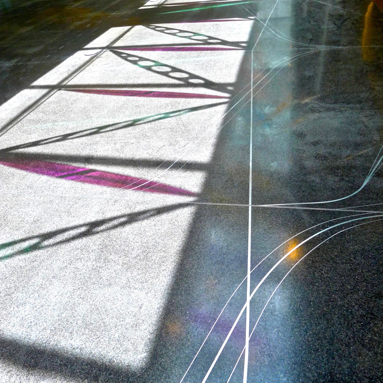Ed Carpenter's Wichita Dwight D. Eisenhower National Airport signature sculpture Aloft dichroic glass shadow patterns add another element to the experience. / image 20