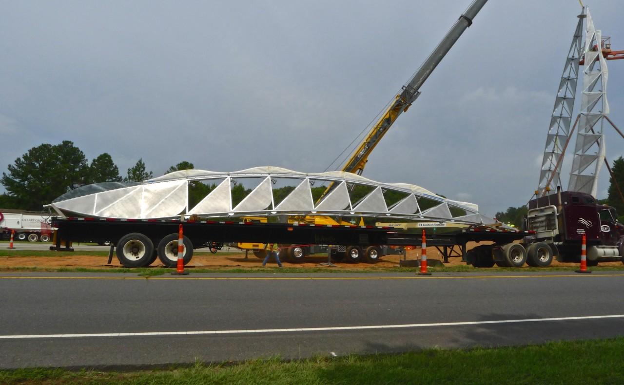 Ed Carpenter's iconic Airport entrance sculpture, Ascendus, installation images. / image 10