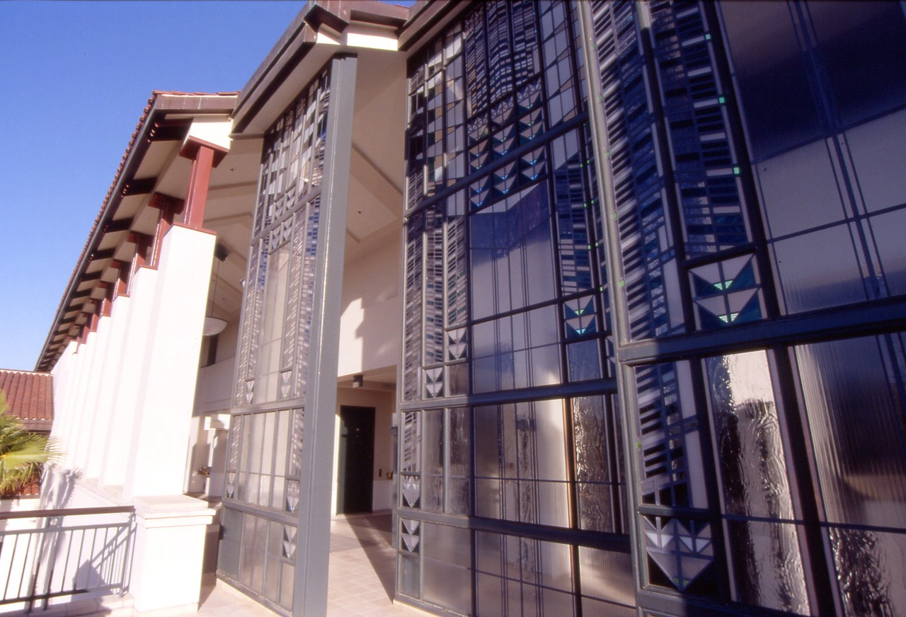 Hanging Garden, City Hall, Culver City, California / image 5