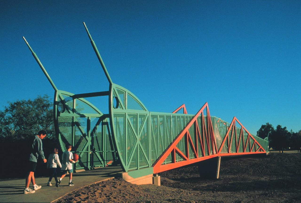 Grasshopper Pedestrian Bridge, Pheonix, Arizona / image 2