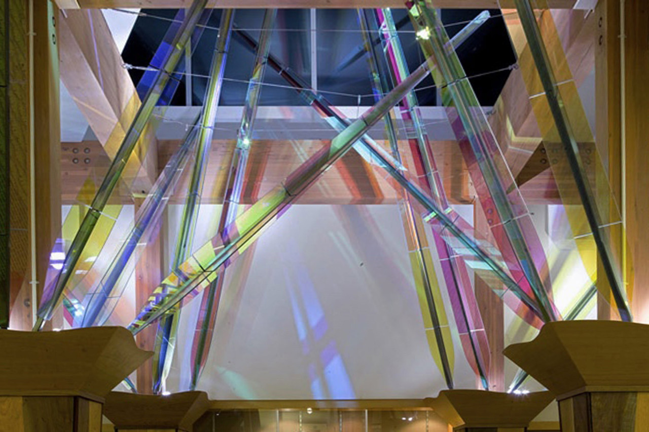 Color plays off of the wall in Ed Carpenter's interior library sculpture in Forest Grove, Oregon / image 5